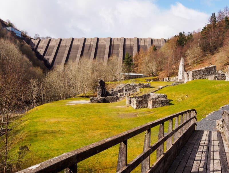 Bryntail主角矿和Llyn Clywedog水库水坝 库存照片