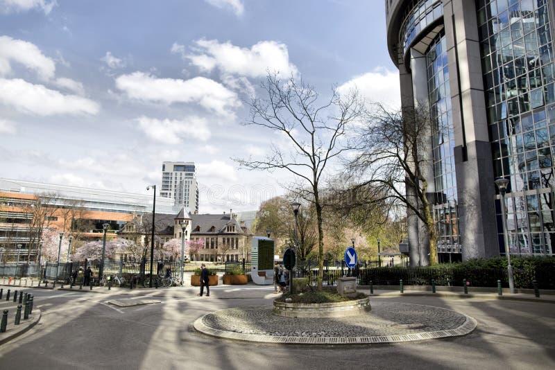 Bryssel Belgien - April 10, 2018: Apparat för filter för mossa för vägg för CityTree föroreningborttagning som bosatt på EU-parla royaltyfria bilder