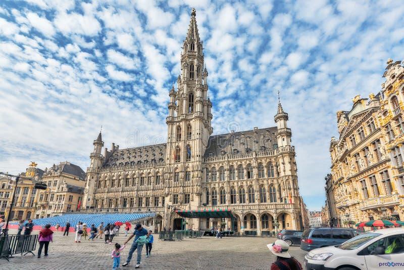 BRYSSEL BELGIEN - JULI 07, 2016: Stads stadshus på tusen dollar Pl royaltyfri bild