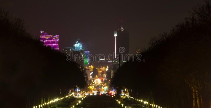 Bryssel cityscape Belgien på natten royaltyfria foton