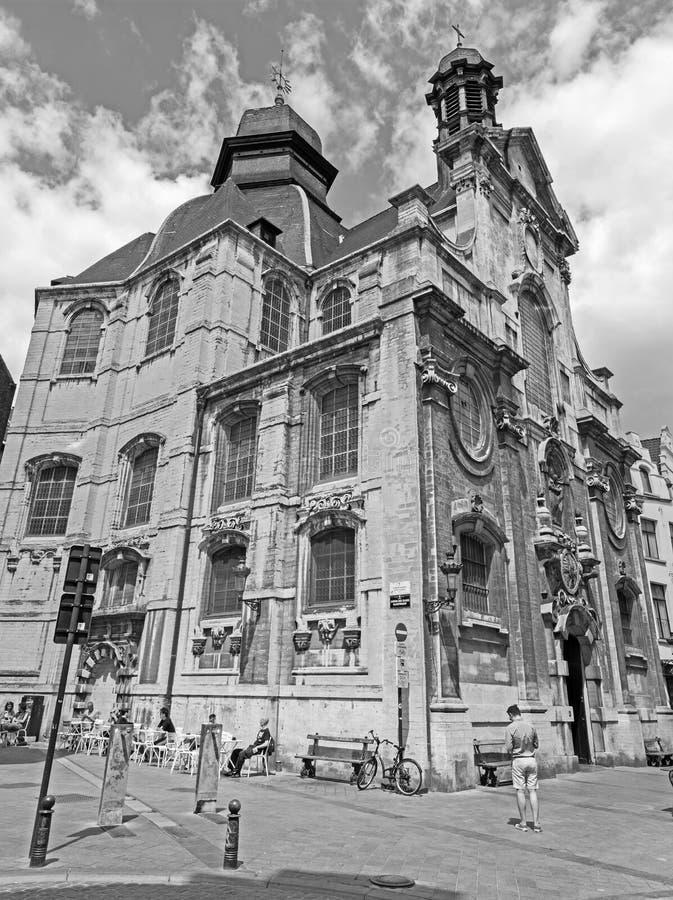 Bryssel - den barocka kyrkliga Notre Dame du Bon Secource royaltyfria foton