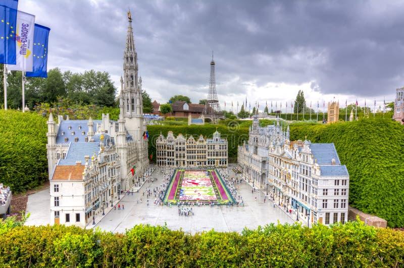 Bryssel Grand Place med blommamatta i mini- Europa parkerar, Bryssel, Belgien arkivbilder