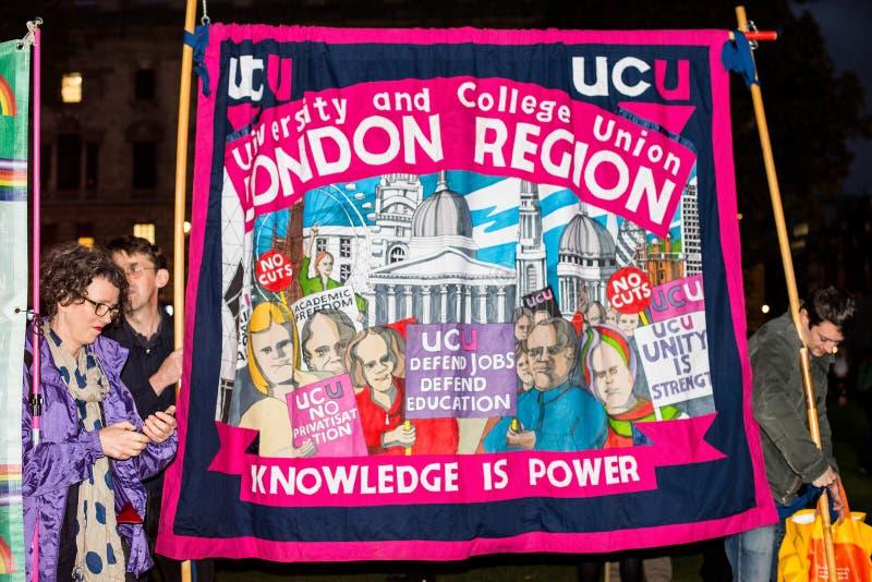 Brytania Zasługuje wynagrodzenie wzrost - Kończy nakrętka marsz protestacyjny Teraz zdjęcia royalty free