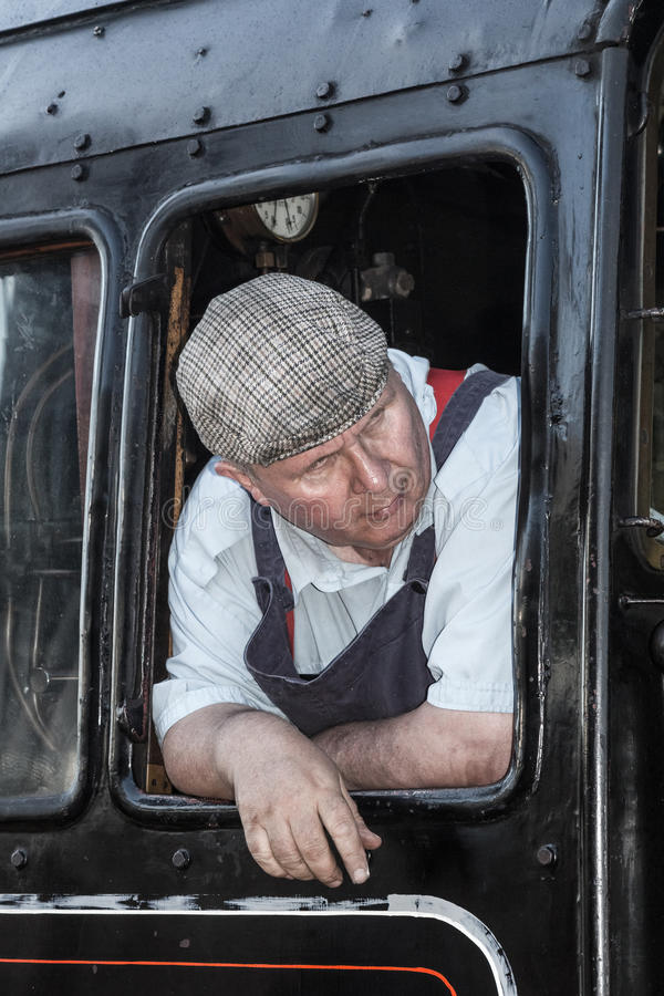 Brytyjskich kolei Parowy parowozowy kierowca w kabinie zdjęcie royalty free