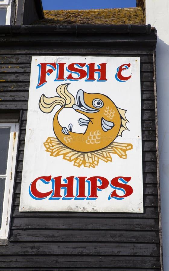 brytyjskich układ scalony rybi przekąski stołu tradycyjny drewniany obraz royalty free