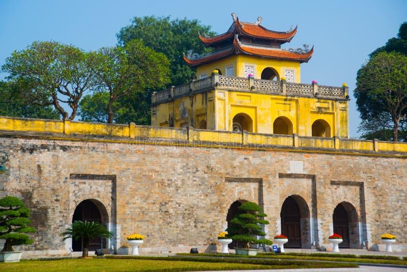 BRZĘCZENIA NOI, WIETNAM Thang Długa cytadela jako światowego dziedzictwa miasto sławny w Hanoi obraz royalty free