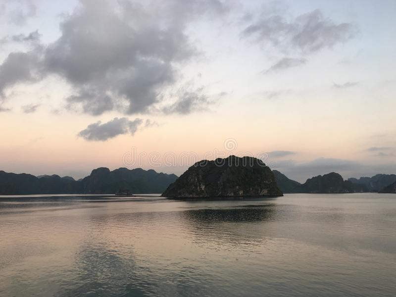 Brzęczenia Tęsk Podpalany wschód słońca Wietnam Azja Południowo-Wschodnia zdjęcie royalty free