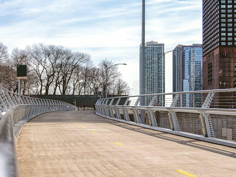 Brzeg jeziora pieszy Flyover G??wne ulicy w Chicago, ulicy w Illinois obraz stock