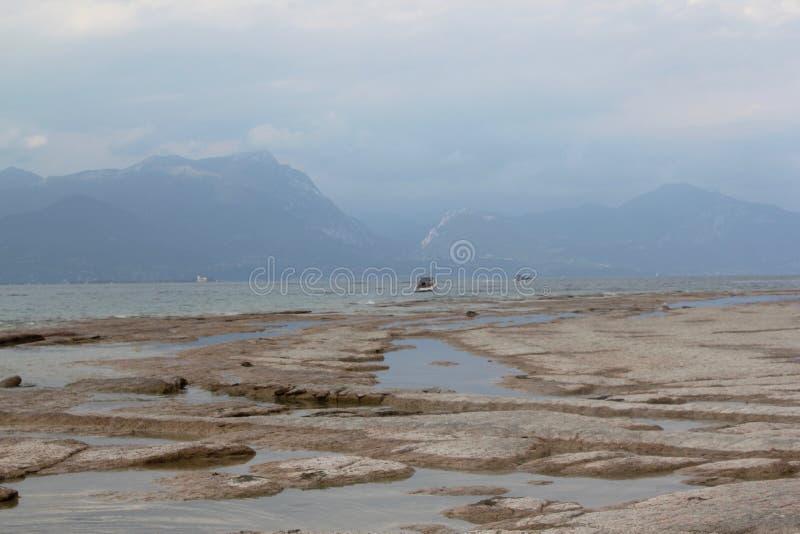 Brzeg Jeziorny Garda zdjęcia royalty free