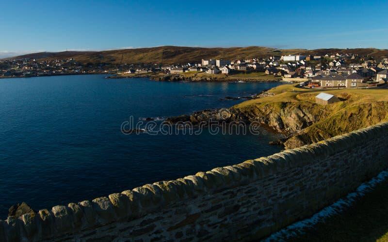Brzeg Lerwick, kapitał Shetland wyspy obraz royalty free