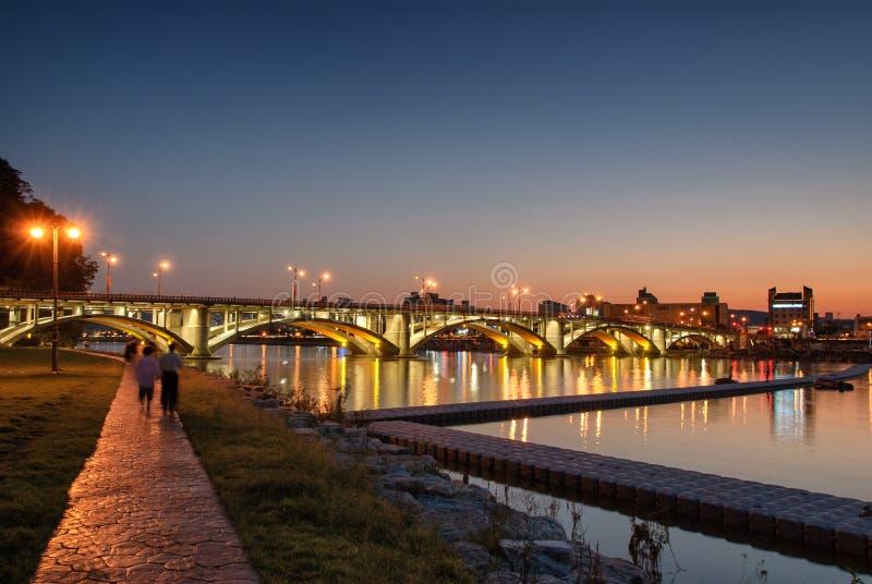 Brzeg rzeki park w JINJU mieście obrazy stock