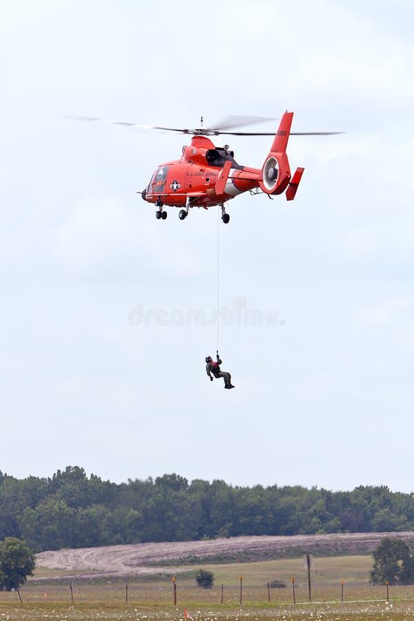 brzegowy delfinu strażnika helikopter zdjęcie royalty free