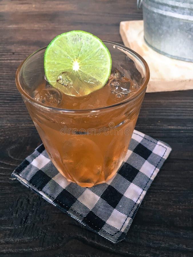 Brzoskwini herbata obrazy stock