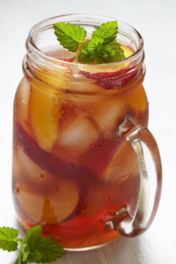 Brzoskwini lodowa herbata obraz royalty free