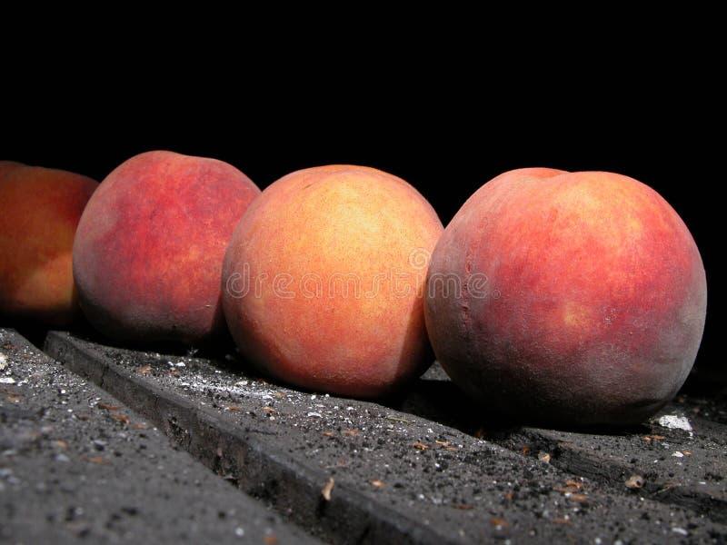 Download Brzoskwinie obraz stock. Obraz złożonej z duży, nektaryny - 133955