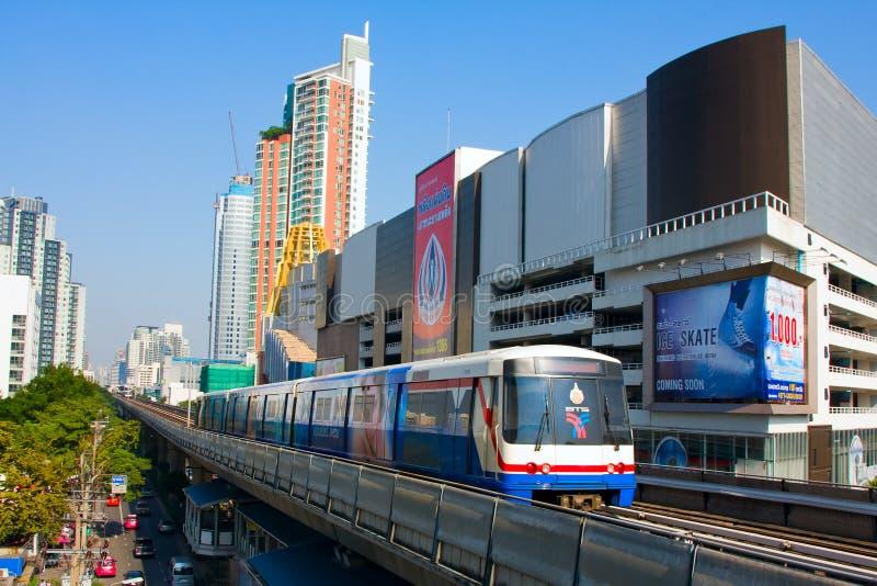 BTS Skytrain a Bangkok immagini stock libere da diritti