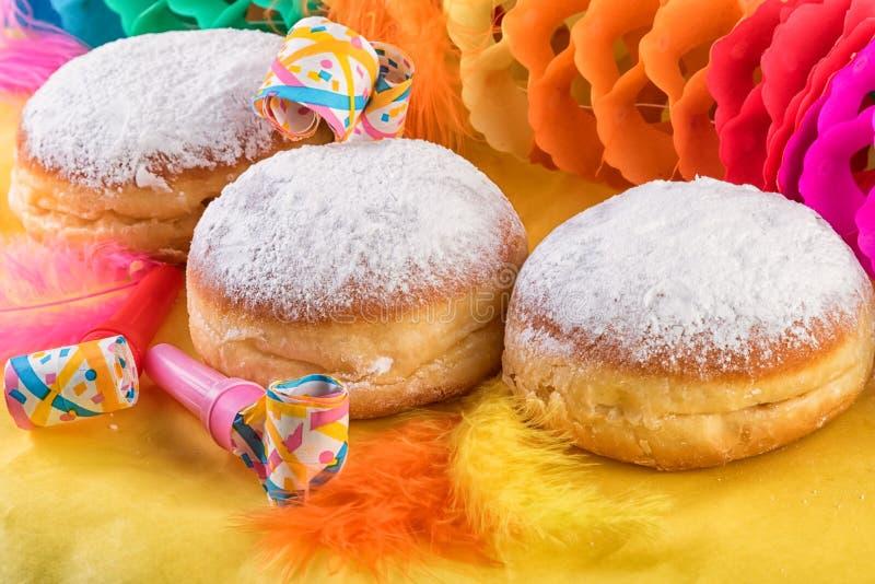 Buñuelos dulces alemanes tradicionales berlineses de los anillos de espuma imagen de archivo libre de regalías