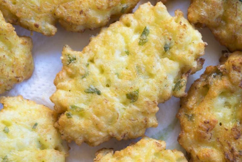 Buñuelos fritos del calabacín imagen de archivo