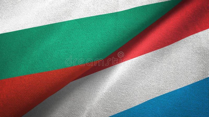 Bułgaria i Luksemburg dwa flagi tekstylny płótno, tkaniny tekstura ilustracja wektor