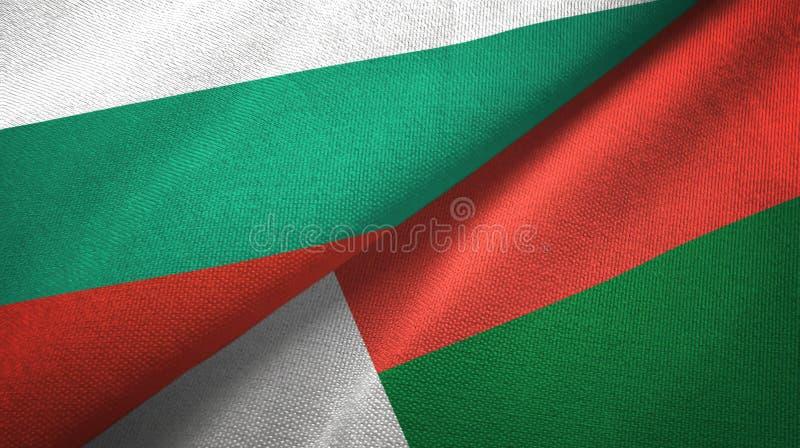 Bułgaria i Madagascar dwa flagi tekstylny płótno, tkaniny tekstura ilustracji