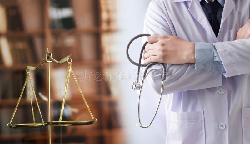 BU médicos de la atención sanitaria de la conformidad de la farmacia de la ley del juez del concepto de la ley foto de archivo