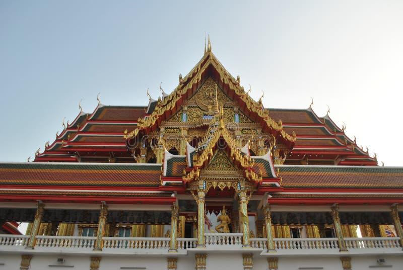 Buakwan nonthaburi Thailand för härlig buddistisk byggnadswat royaltyfri foto