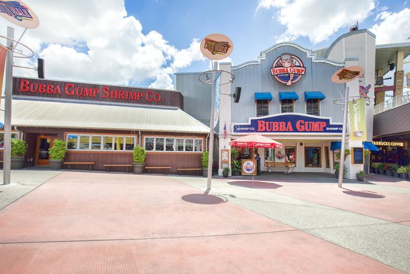 Bubba Gump Shrimp Co på universella CitiWalk i Orlando arkivfoton