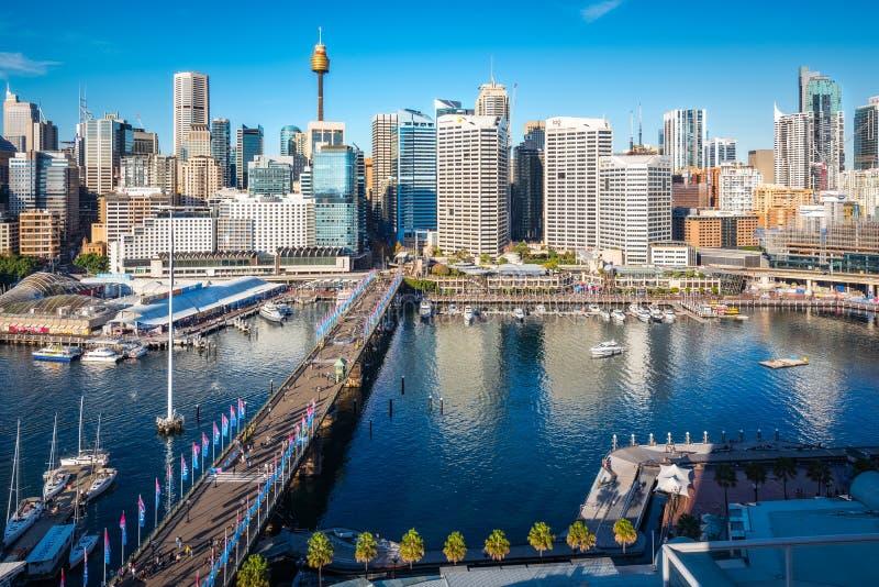 Bubblafjärdsikt från över in Sydney Australia under livlig festival royaltyfri foto