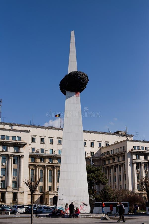 BUCAREST - 17 MARS : Le mémorial du monument de renaissance commémore les victimes de la révolution roumaine de 1989 image stock
