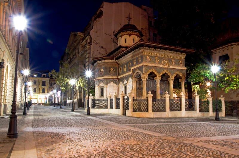 Bucarest por noche - monasterio de Stavropoleos foto de archivo libre de regalías