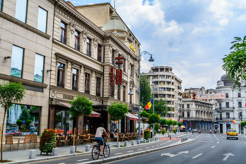 BUCAREST, RUMANIA - 30 DE AGOSTO: Hotel de Capsa el 30 de agosto de 2015 en Bucarest, Rumania imagenes de archivo
