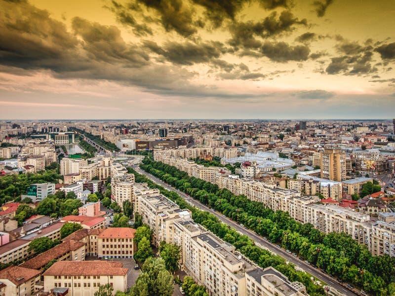 Bucarest, Rumania - 22 de mayo de 2017: Opinión aérea del centro de ciudad de Bucarest fotos de archivo libres de regalías