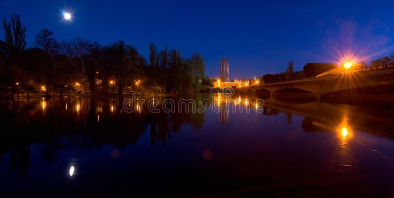 Bucareste na noite - Carol Park imagem de stock