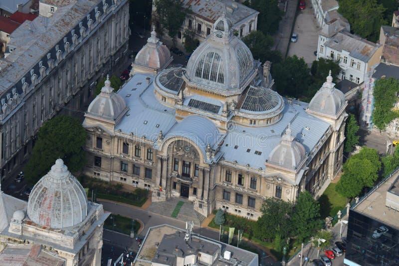 Bucareste, Romênia, o 15 de maio de 2016: Opinião aérea CEC Palace fotos de stock royalty free