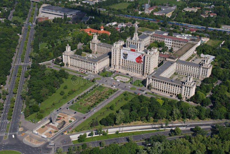 Bucareste, Romênia, o 15 de maio de 2016: Vista aérea da casa Presei Libere em Bucareste imagens de stock royalty free