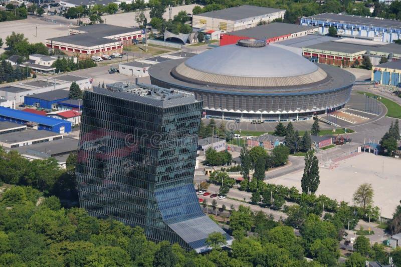 Bucareste, Romênia, o 15 de maio de 2016: Vista aérea de Romexpo foto de stock