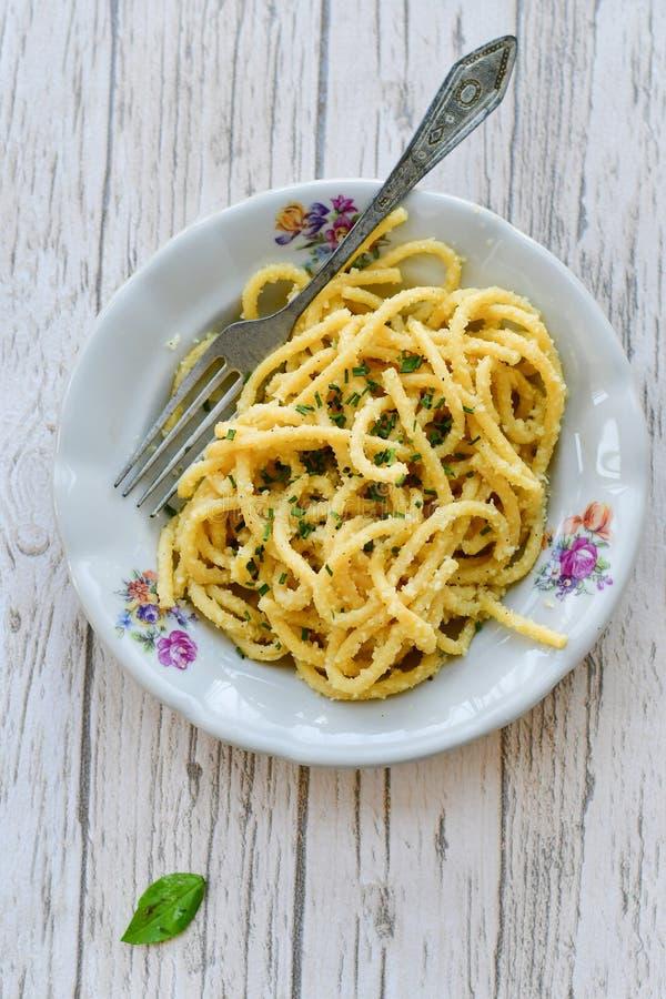 Bucatini pasta royaltyfria bilder