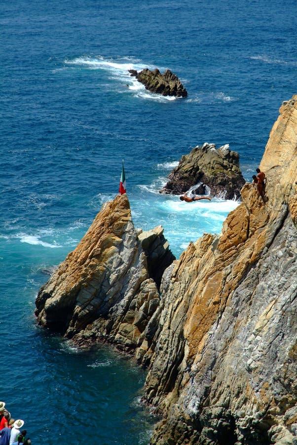 Buceadores Acapulco México del clifff del quebrada del La foto de archivo libre de regalías