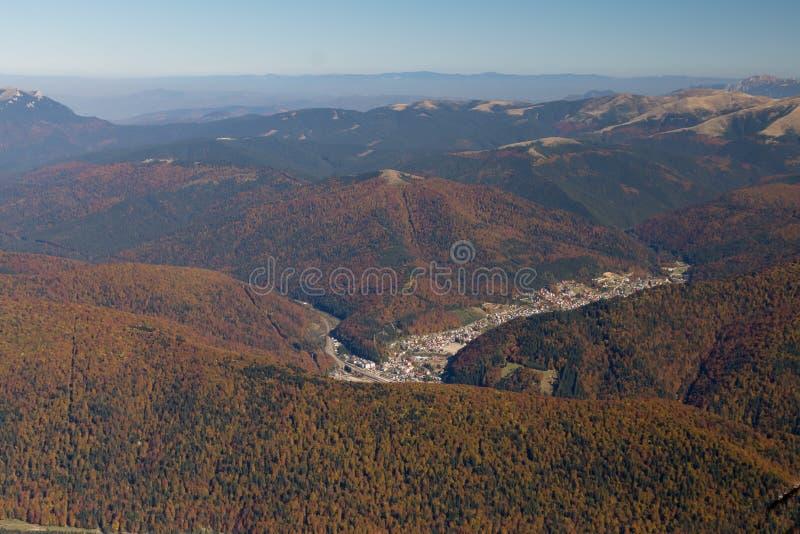 Bucegi-Berge in den Herbstsaisons stockfotografie