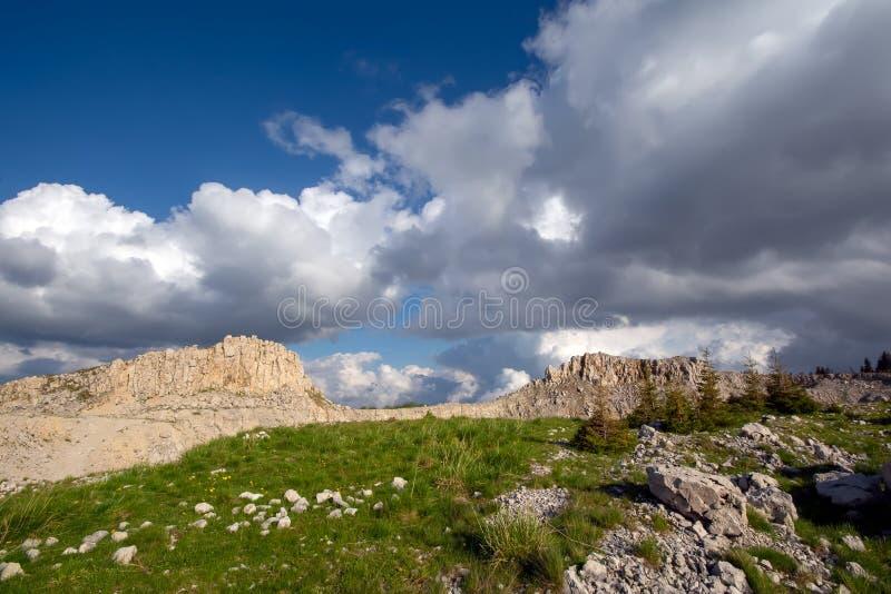 Bucegi góry, Podul cu Florile kamienia łup obrazy stock