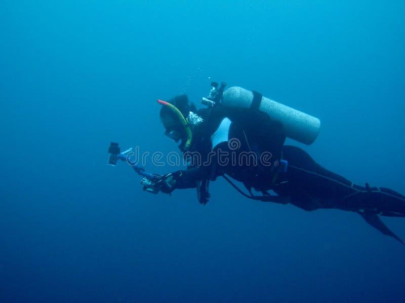 Buceo con escafandra en naufragio fotografía de archivo libre de regalías