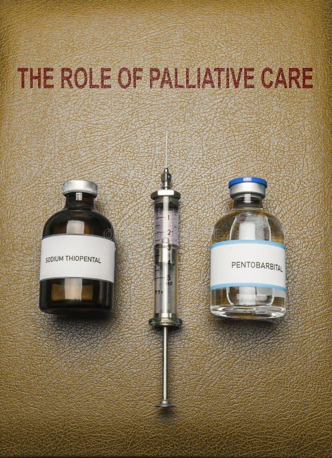 Buch der Rolle der Palliativmedizin, der Phiolen Natrium-thiopental Anästhesie und des Pentobarbitals, Konzept auf Euthanasie stockbild