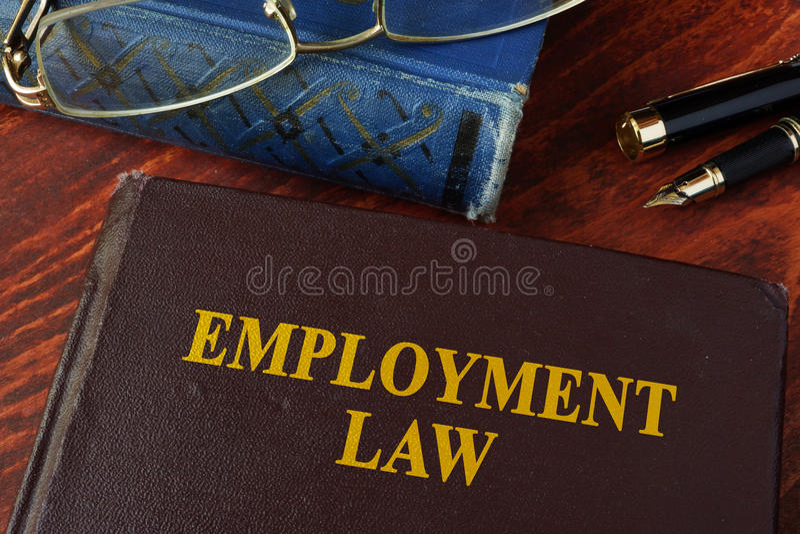 Buch mit Titelarbeitsrecht stockfotos