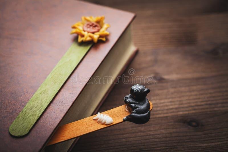 Buch und Bookmark stockbild