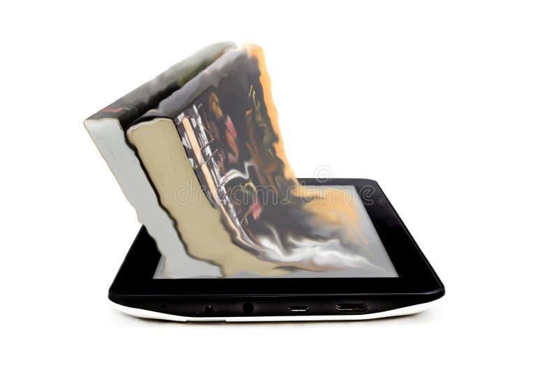 Buch- und Tablettencomputer lizenzfreie stockfotos