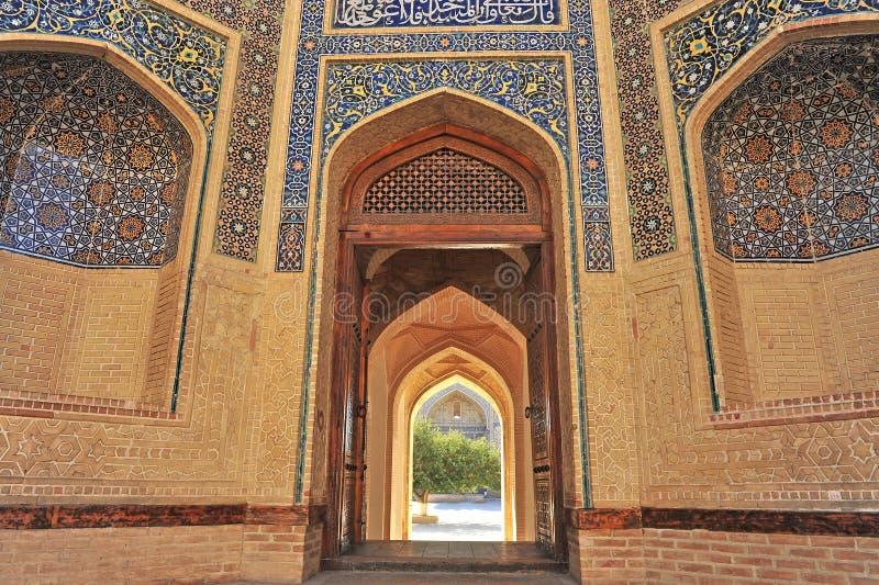 Buchara: Entrata della moschea di Kalon fotografia stock libera da diritti
