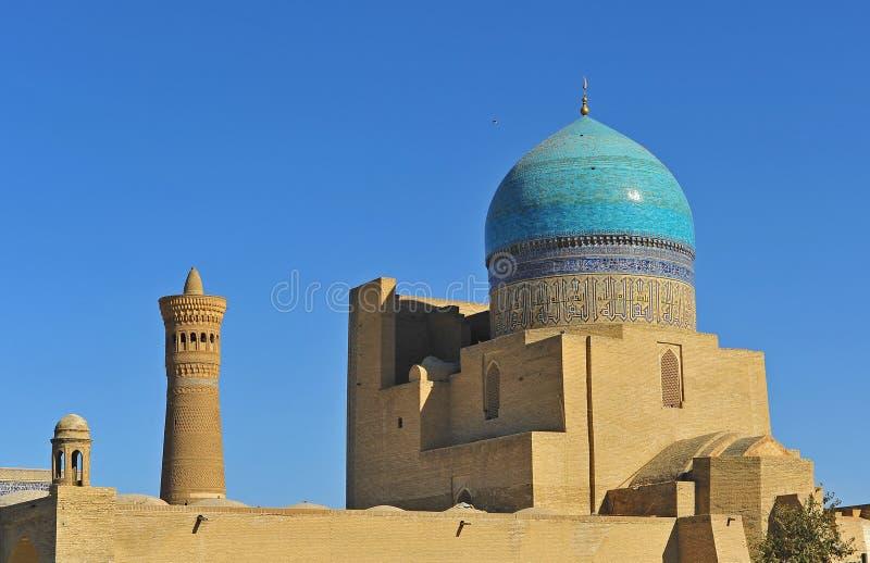 Buchara: Moschea e minareto di Kalyan immagine stock