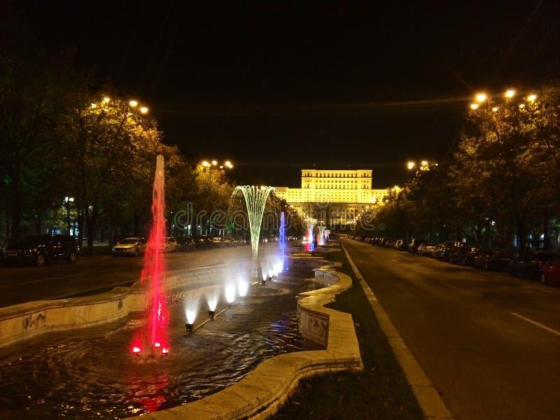 Bucharest bis zum Nacht stockfotos