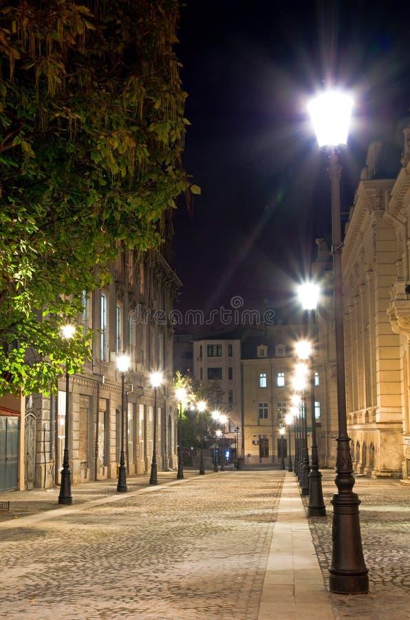 Bucharest bis zum Nacht - die historische Mitte lizenzfreie stockbilder