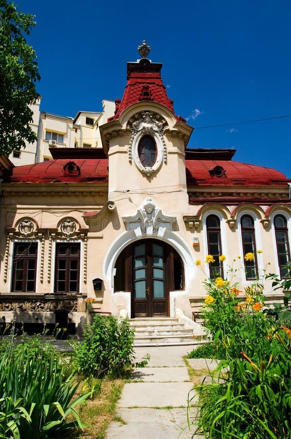 Bucharest - im Stadtzentrum gelegenes Landhaus stockfotos